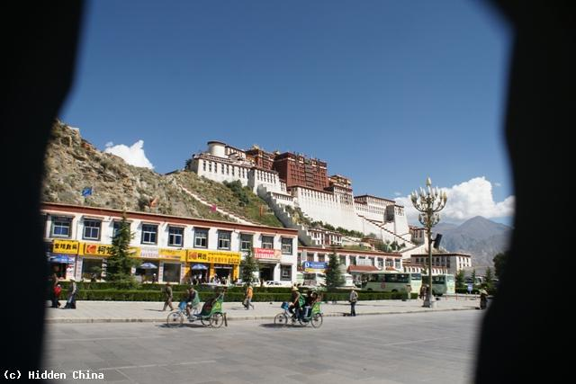 lhasa chat rooms The 14-day tour lhasa-mt kailash tour  it is advisable to get there before other groups because limited numbers of rooms are  and have a friendly little chat.